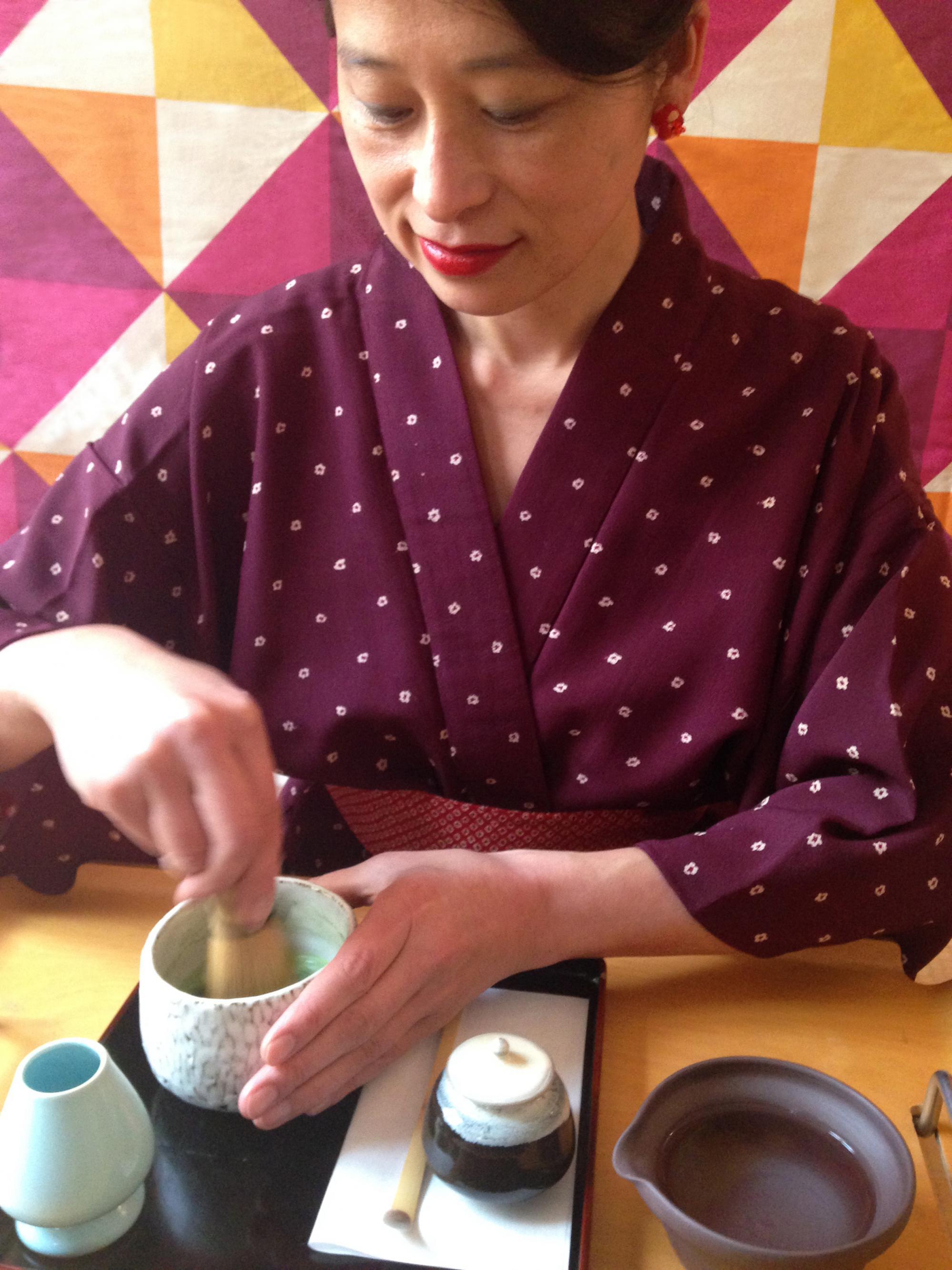 Préparation d'un thé vert japonais Matcha